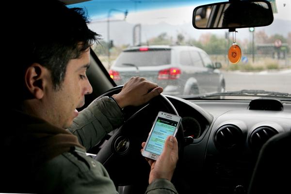 celular-conducir