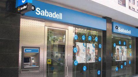 banco-sabadell-cerrara-unas-250-oficinas-en-2017-y-reducira-la-plantilla-en-800-empleados