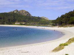 cinco-destinos-de-playa-que-debes-visitar-en-espana